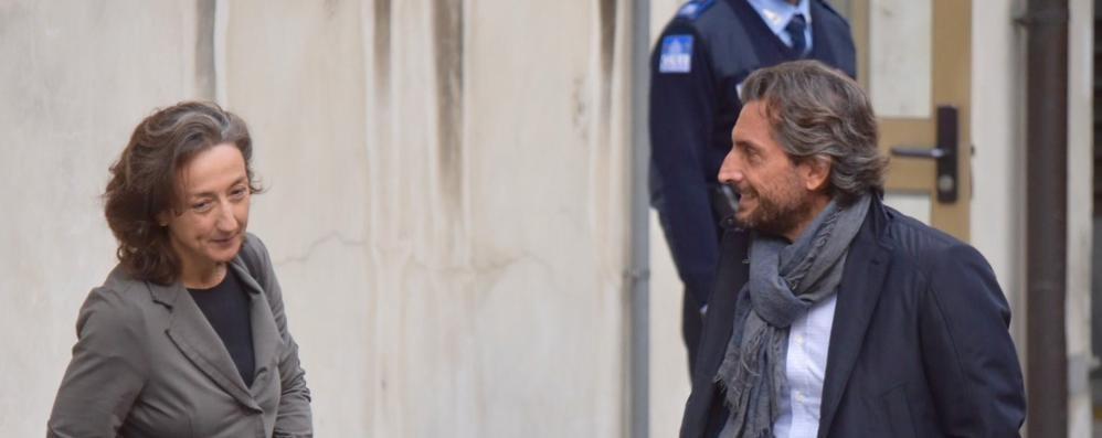 Le indagini su Yara e i controlli sui cellulari  Bossetti faccia a faccia con chi lo arrestò
