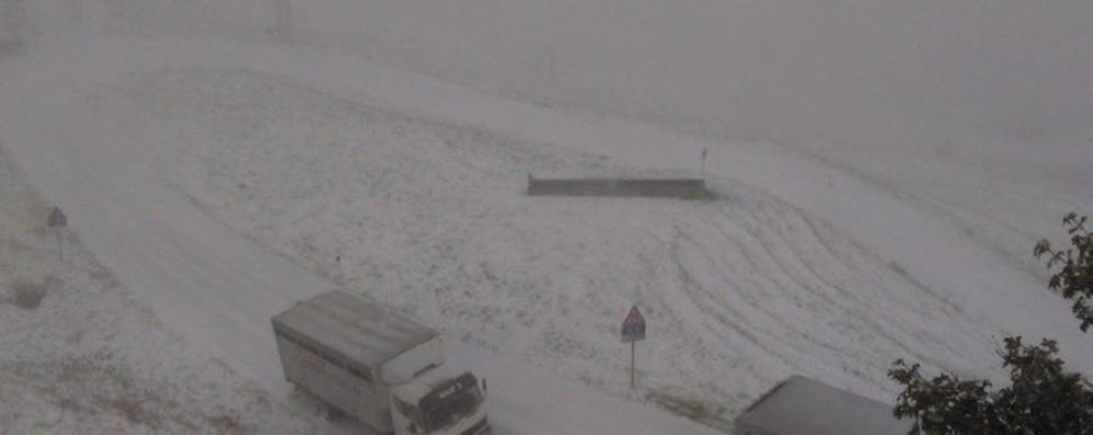 Neve: passo San Marco chiuso  da Mezzoldo al confine valtellinese