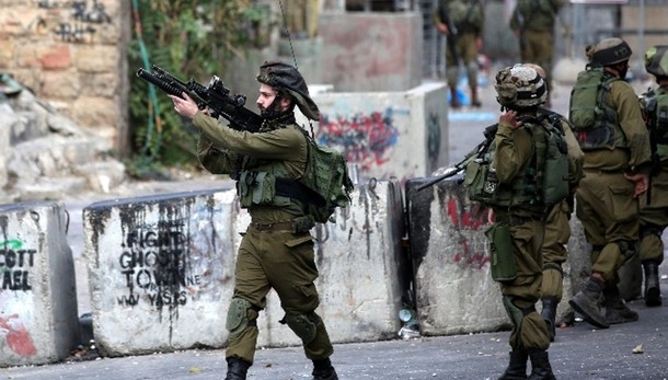 Cisgiordania, soldato Israele pugnalato