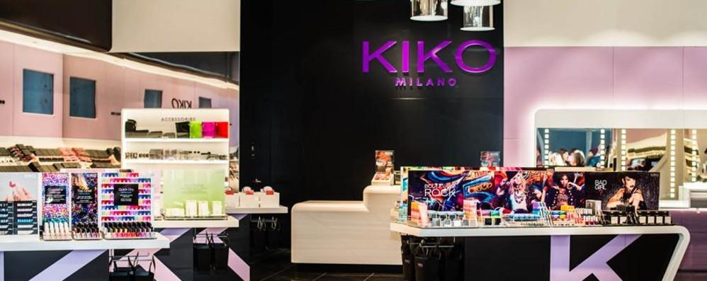 Bello quel negozio, ma copiato... Kiko vince la battaglia degli arredi