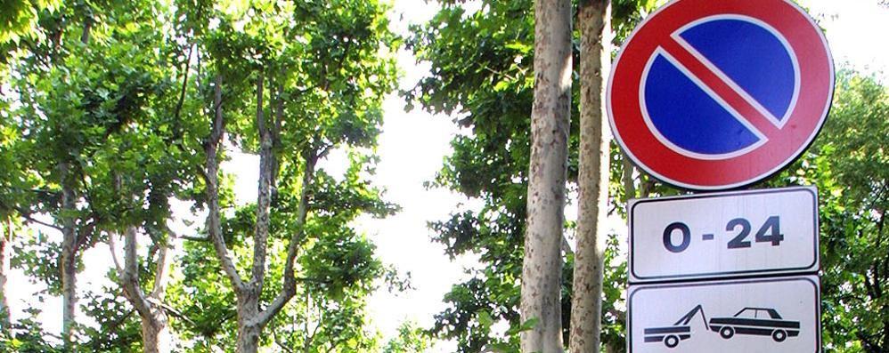 Bergamo, la guerra dei parcheggi Nasce anche un gruppo Facebook