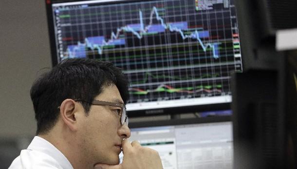 Borsa: male Cina, ma Asia cresce