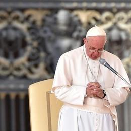 Qn: «Il Papa ha un tumore al cervello» Ma il Vaticano smentisce: irresponsabile