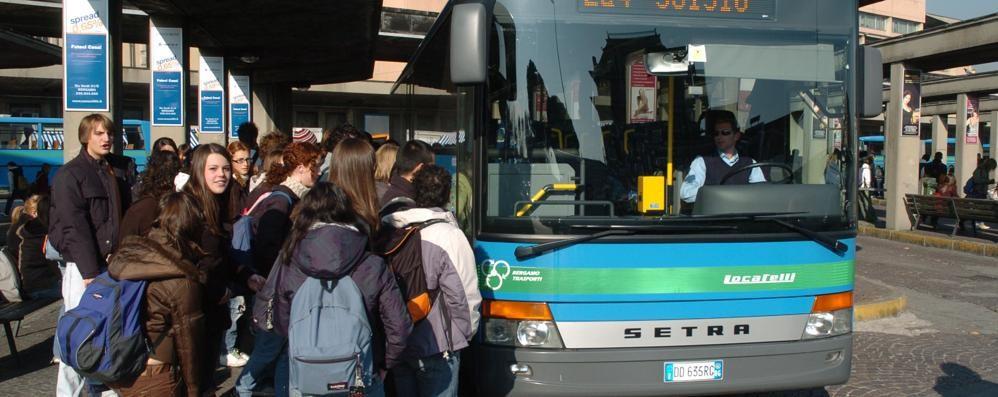 Trasporti, la Provincia scrive alla Regione «Nel 2016 standard minimi impossibili»