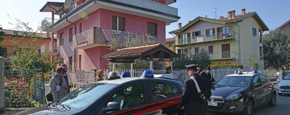Trova ladro in casa, spara e lo uccide Il pensionato è  indagato per omicidio