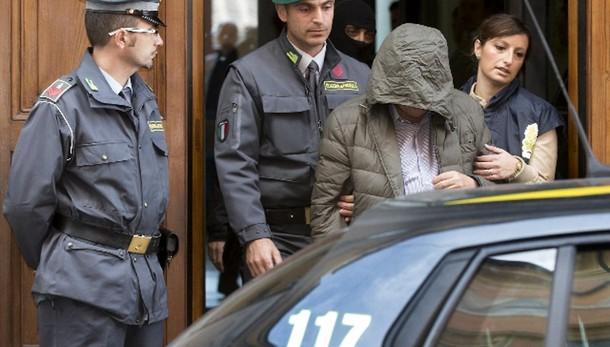 Anas: Renzi, chi ruba va cacciato