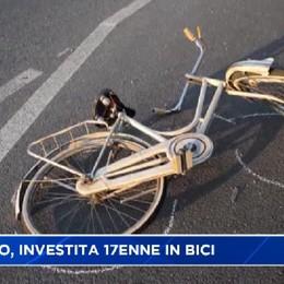 Bariano, investita in bici: gravissima 17enne