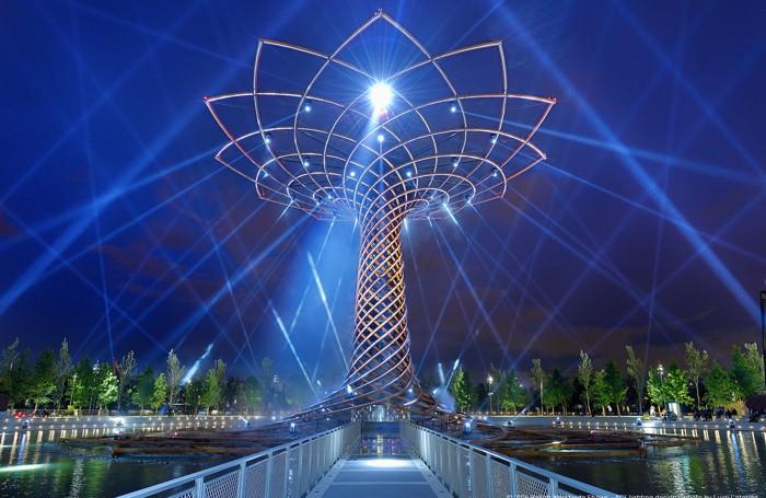 L'albero della vita di Expo MIlano illuminato da Clay Paky