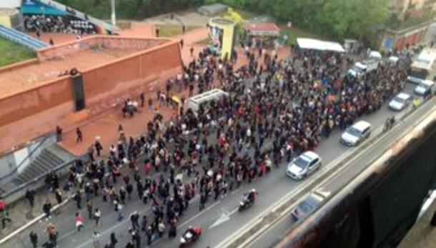 Metro: stop linea B, proteste e disagi