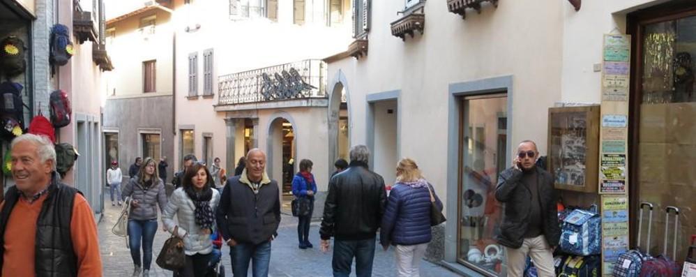 Anche in Val Seriana è crisi negozi Quale negozio ti manca di più?