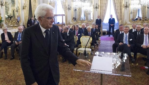 Mattarella firma la legge di stabilità