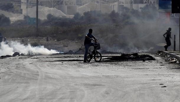 Attacca soldati, palestinese ucciso