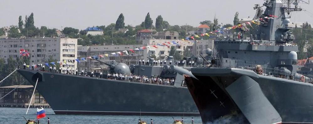 Il Pentagono controlla i sottomarini russi:  comunicazioni internet mondiali a rischio