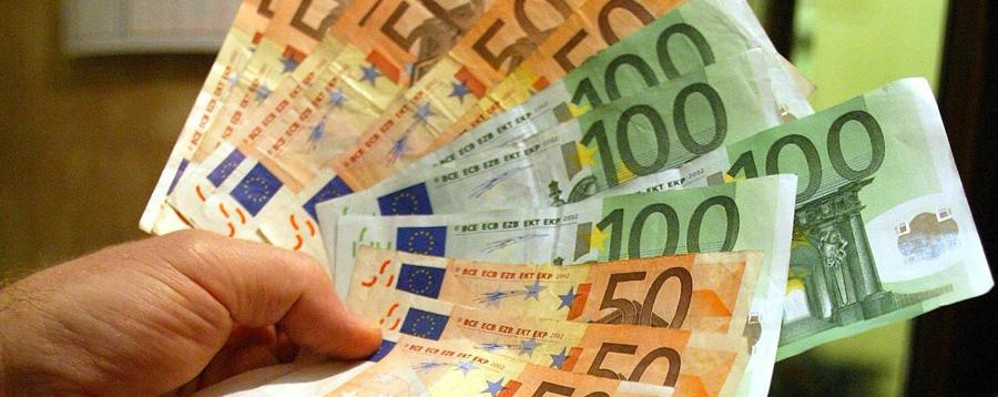 Prestiti, calano del 21% gli importi richiesti  Si punta a 10.200 € per liquidità e auto