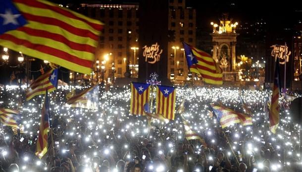 Catalogna accelera sull'indipendenza
