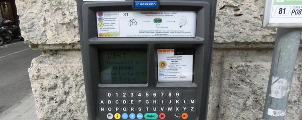 «Pagare la sosta con la carta?  Meno di 1 euro non si può»