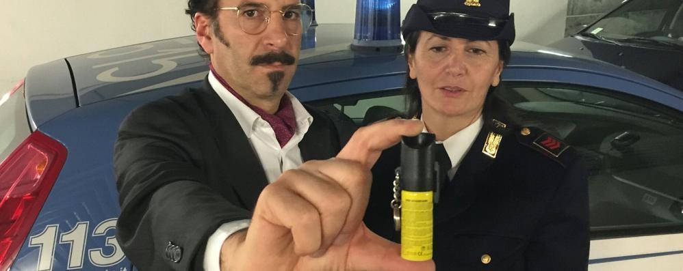 Ragazza spruzza spray al peperoncino Altri 5 in ospedale: gli intossicati sono 42