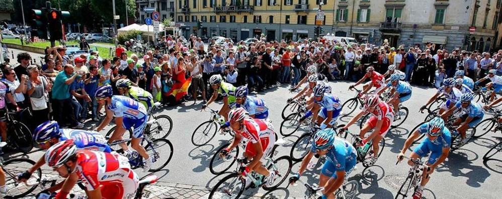 Il Giro d'Italia fa tappa a Cassano Anticipazioni in volata sulla rete