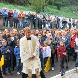 Ponte Nossa, Morengo e Calolzio in festa per l'arrivo dei nuovi parroci