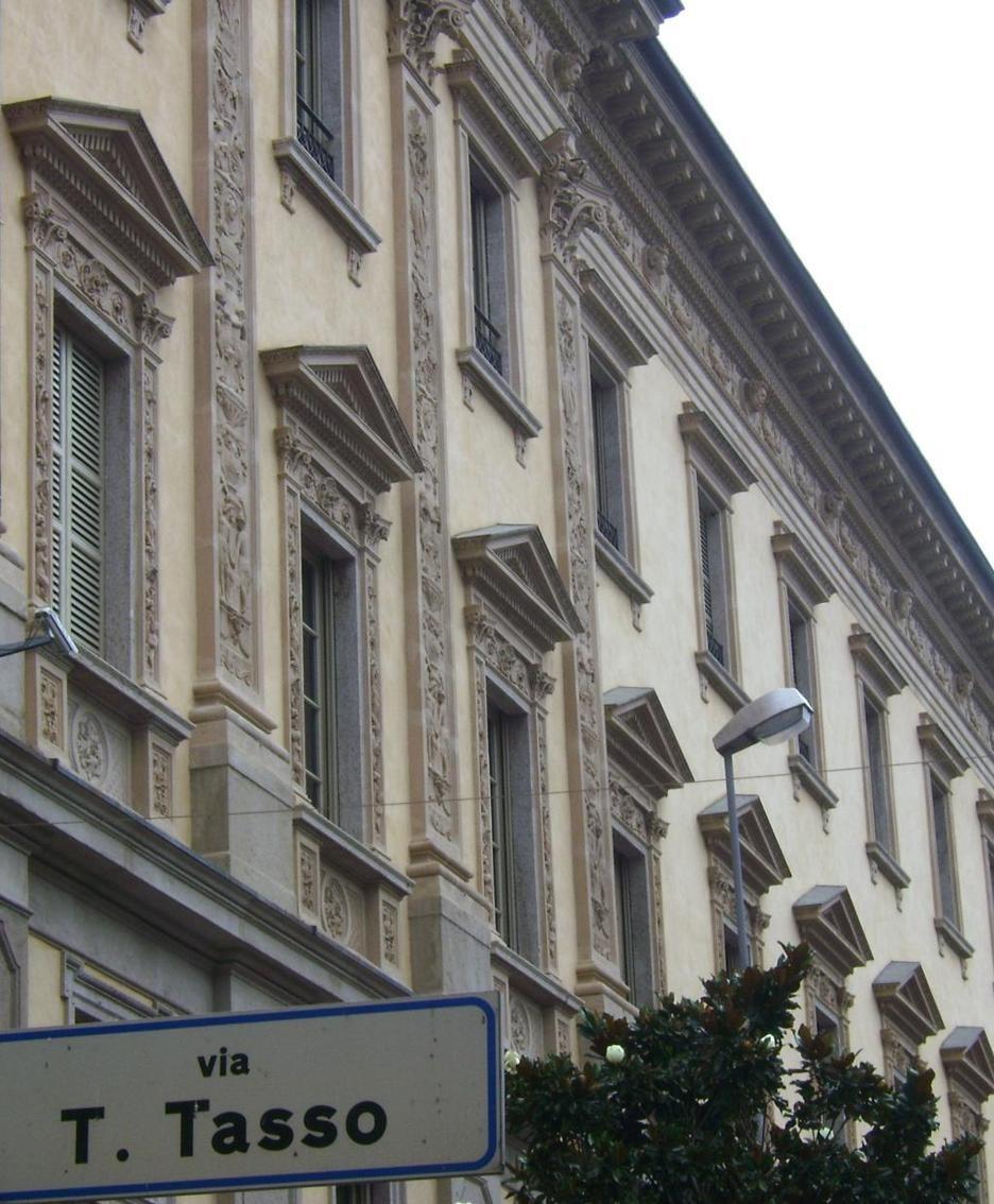 Il palazzo della Provincia in via Tasso a Bergamo
