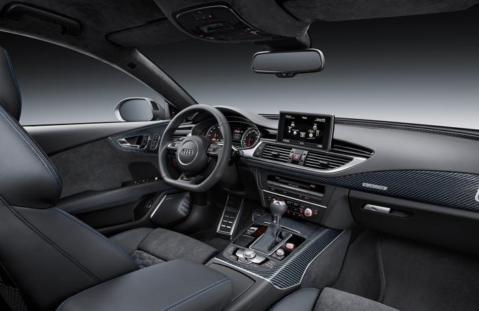 L'abitacolo dell'Audi A4 Avant