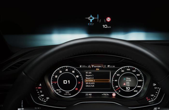 Il cruscotto dell'Audi A4 Avant