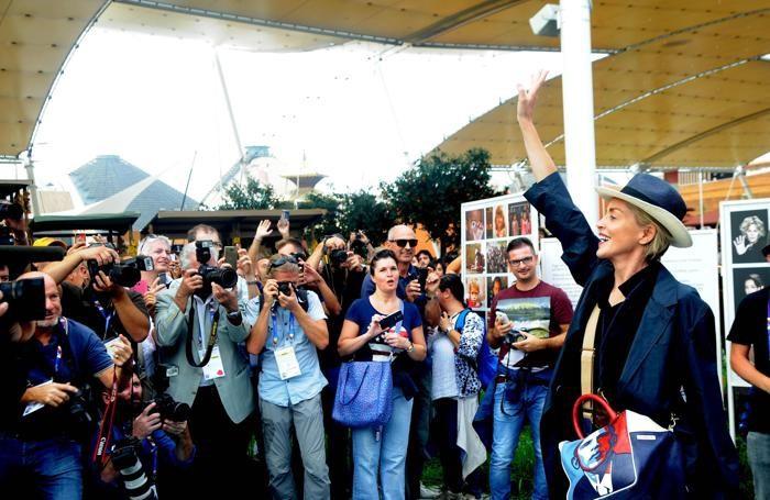La visita di Sharon Stone a Expo