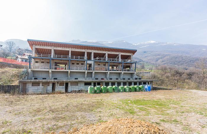 L'impianto sportivo mai completato a Bedulita