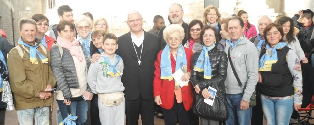 Migranti e pellegrini con Beschi ad Assisi «Francesco è stato uomo della scelta»