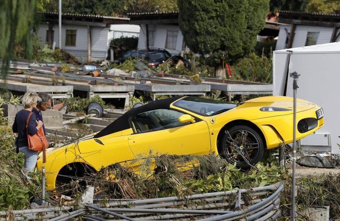 Una Ferrari a  Biot, nel sud della Francia