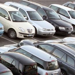 Compri un'auto? Addio  scartoffie Da oggi il certificato di proprietà è digitale