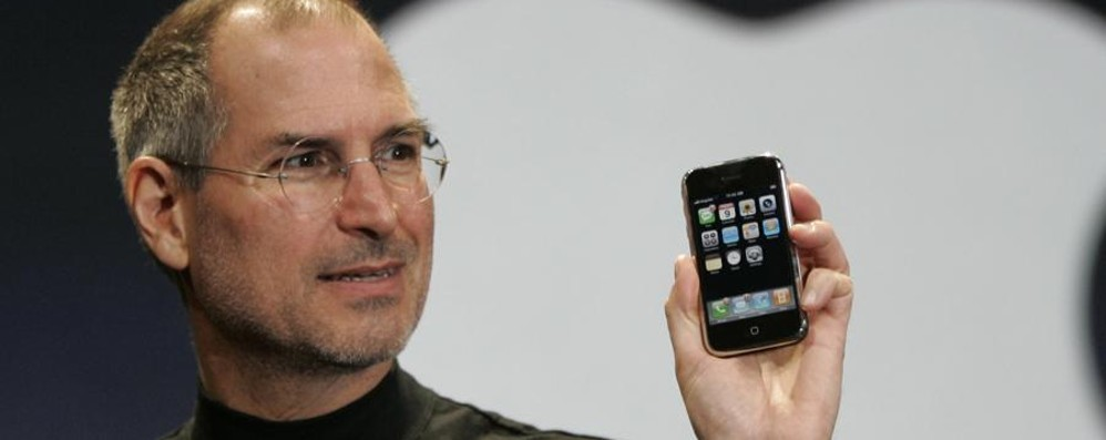 Steve Jobs, l'addio 4 anni fa In arrivo il film sulla sua vita