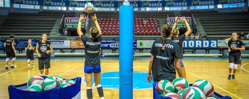 Volley, la nuova Foppa si presenta Maurizia Cacciatori madrina ad Astino