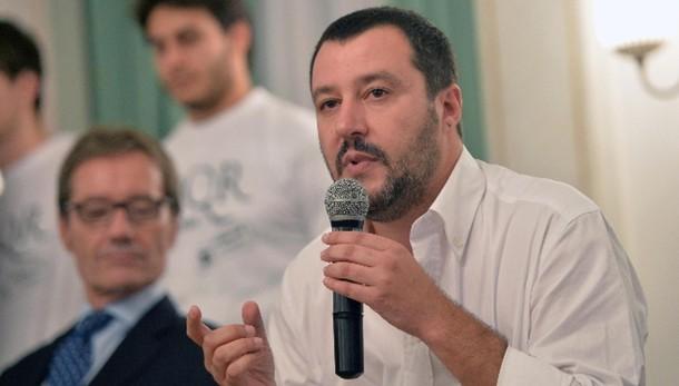 Salvini, Radio Padania non chiude
