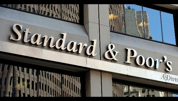 S&P, crediti banche zavorra per ripresa