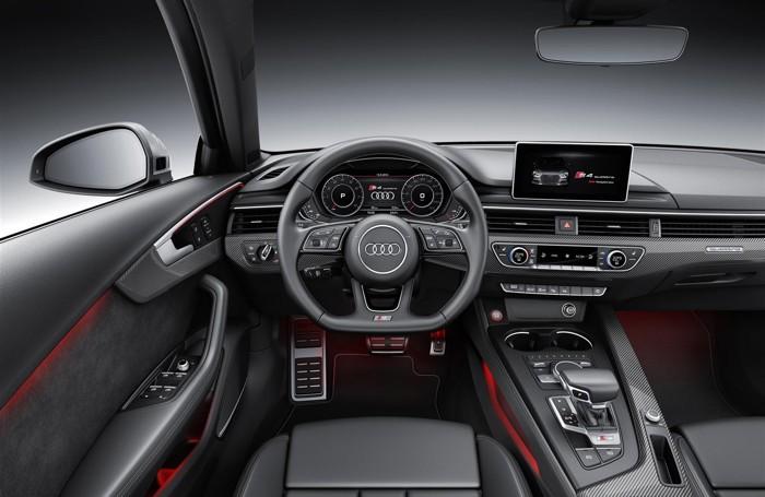 L'interno della nuova Audi S4