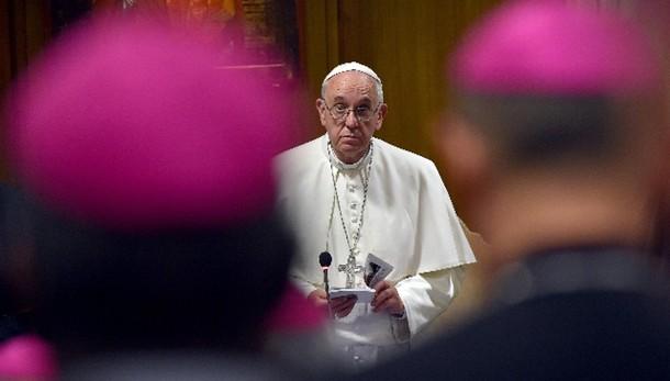 Papa: Chiesa abbandoni vecchie reti