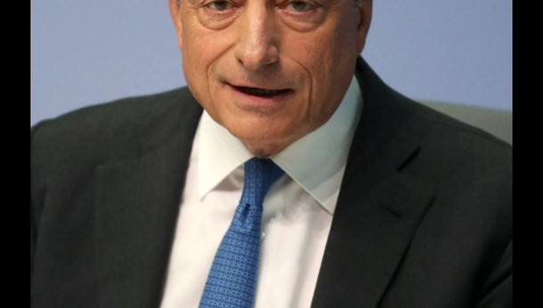 Cambi: euro in rialzo a 1,1251 dollari