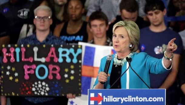 Hillary propone tassa a big Wall Street