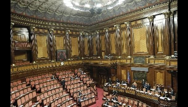 Riforme: sì Senato a nuovo federalismo