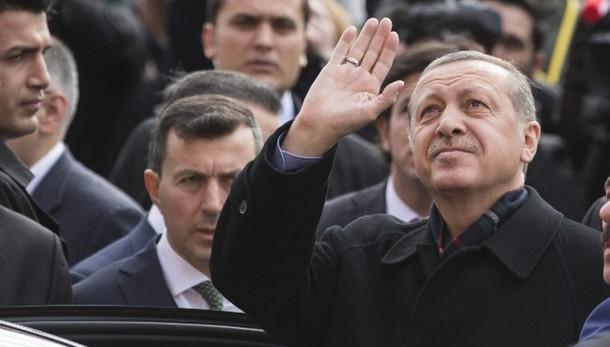Turchia: maggioranza assoluta Erdogan