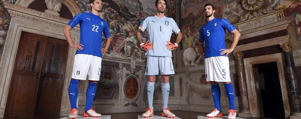 Ecco la nuova maglia dell'Italia Gessata. Vi piace? - Sondaggio