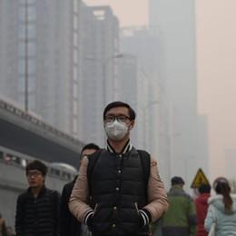 Ecco l'apocalisse dello smog - video In Cina voli cancellati, autostrade chiuse