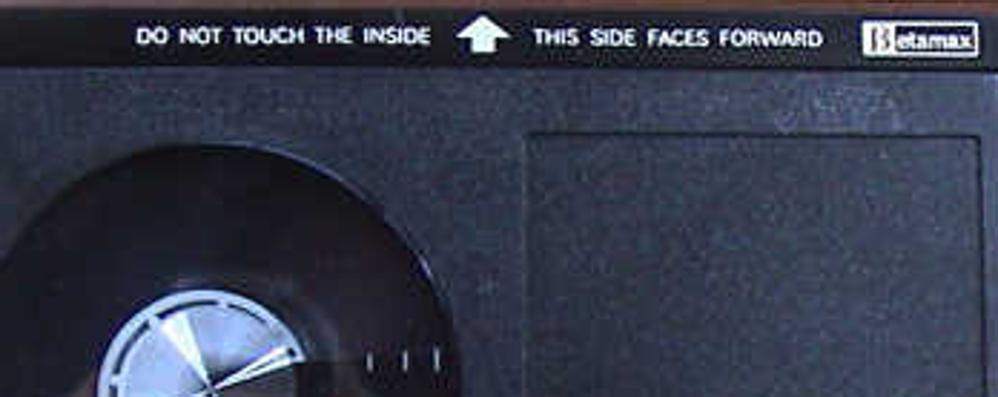 Il Betamax alza bandiera bianca Sony non produrrà più videocassette