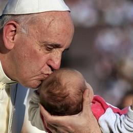 Il Papa: «La Chiesa sia umile e non ossessionata dal potere» - Video