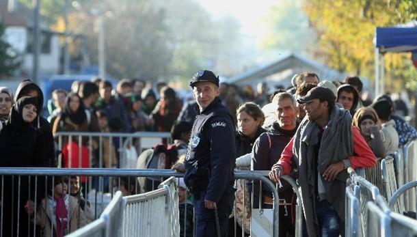 Migranti: Serbia, piu' di 8 mila arrivi