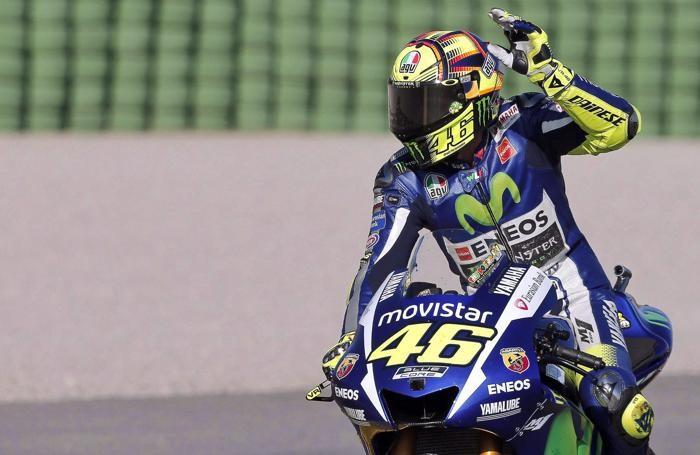 Valentino Rossi saluta a Valencia