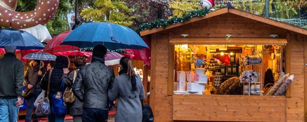 Da sabato c'è il Villaggio di Natale Pista di pattinaggio in piazzale Alpini