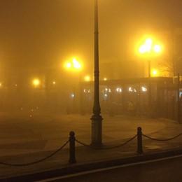 Immagini d'altri tempi? No, è oggi Anche in Bergamasca arriva la nebbia