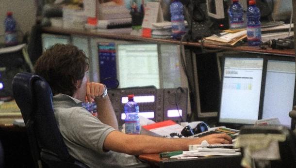Borsa: Milano chiude in calo, -0,14%